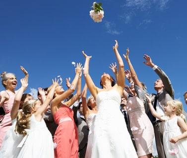 Werfen des Brautstraußes