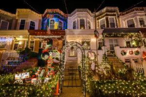 Hausfassade Amerika Weihnachten