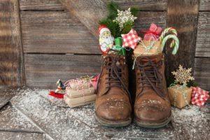 Stiefel mit Geschenken zum Nikolaustag